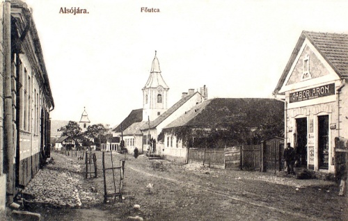 Alsójára:Fő utca,jobbra Gábor Áron üzlete.1912