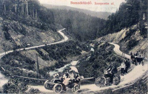 Borszék felé a szerpentineken,automobil és fiáker a bélbori elágazónál 1907