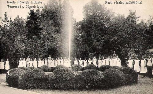 Temesvár:Iskola nővérek intézete,kert a szökőkúttal.1911
