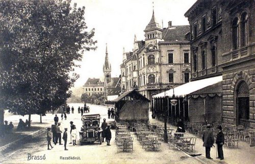 Brassó:Rezső körút,református templom,jobbra étterem.1907
