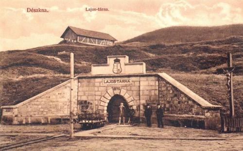 Désakna:Lajos tárna (1879-ben nyitották meg).1912