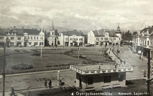 Gyergyószentmiklós:Kossuth Lajos tér a református templommal.1942