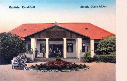 Kaczkó:Székely Gyula lakása (motorkerékpár).1915