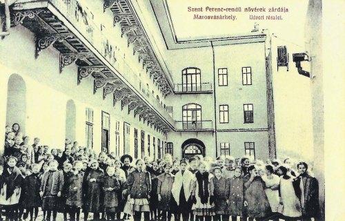 Marosvásárhely,ferences zárda,udvar 1912