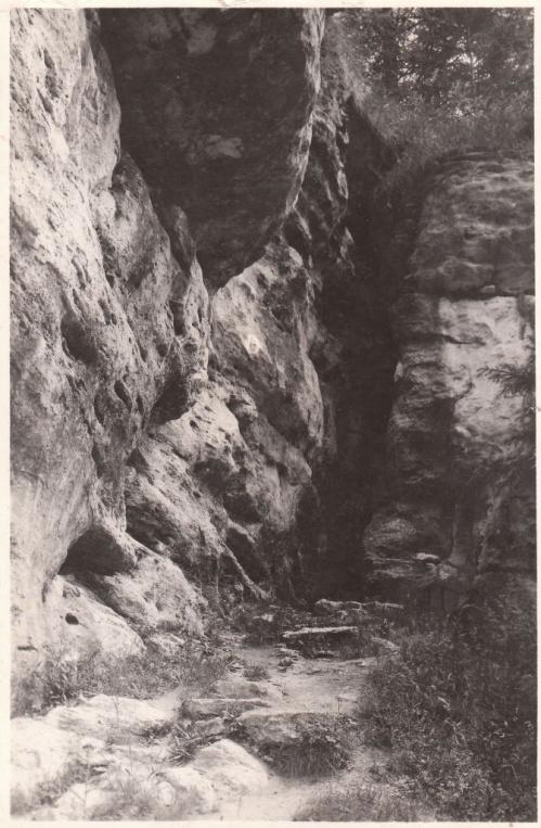 Borszék:jégbarlang bejárata.1943
