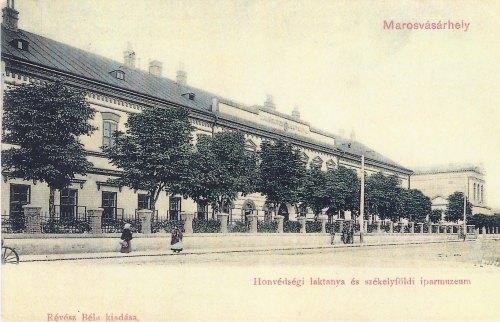 Marosvásárhely:Honvéd Laktanya és székelyföldi Iparmúzeum.1904
