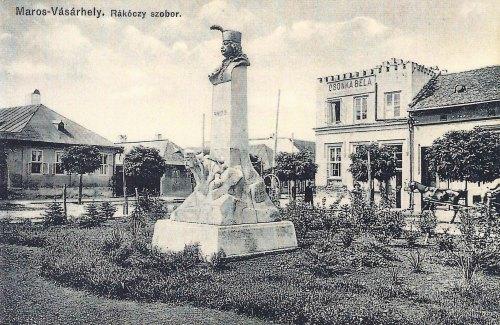 Marosvásárhely:Rákóczi szobor és Csonka Géza fényképész műterme.1911