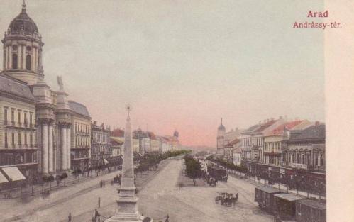 Arad:Szentháromság szobor,balra a minorita templom.1905