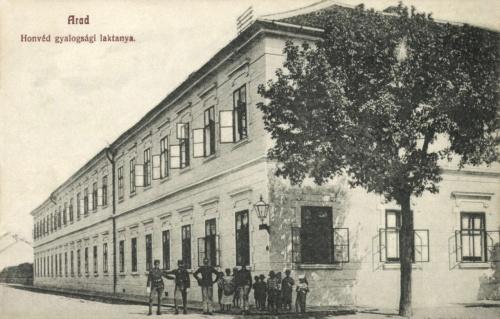 Arad:honvéd gyalogsági laktanya,1908.