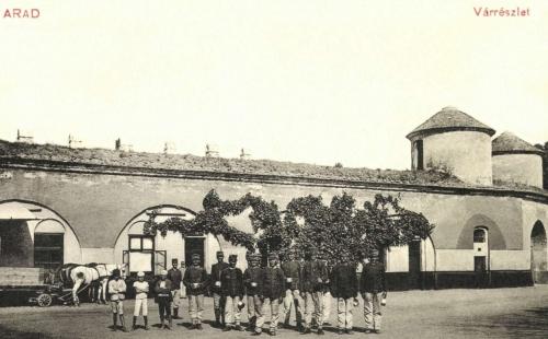 Arad:vár a honvédekkel,1911.