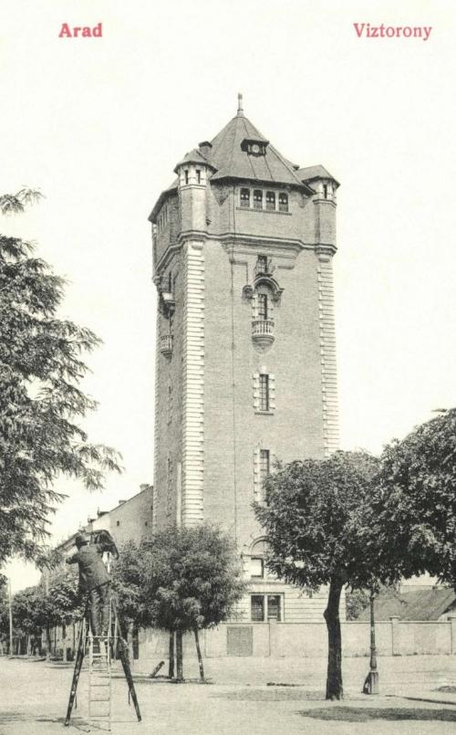 Arad:viztorony látképe a fényképésszel,1908.