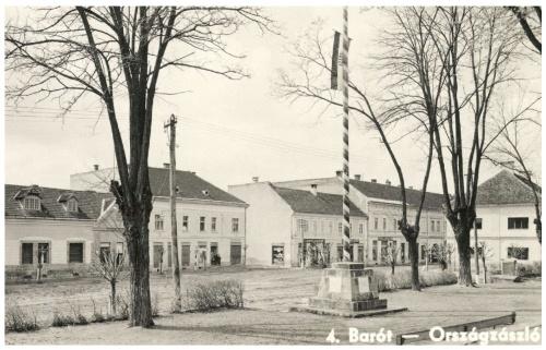 Barót:országzászló,1943-ban.