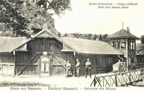 Bázna:hideg női fürdő,1906.