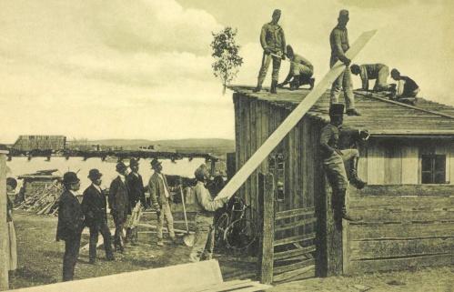 Beresztelke:magyar honvédek és utászok szükséglakásokat készitenek,1912.máj.13.