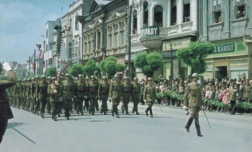 Marosvásárhely:magyar honvédek felvonulása.1940 szeptember 10