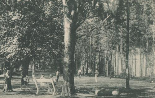 Borszék:ismeretlen teniszpálya,talán a Lobogó mellett volt,1927.
