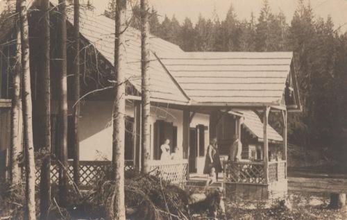 Borszék:ház a Lobogó-és Meleg-fürdő közelében,1925.