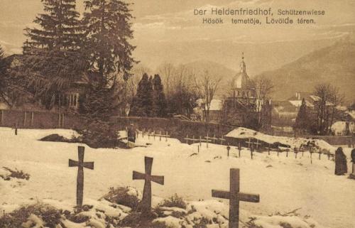 Brassó:magyar és német hősök temetője a Lövölde téren,1916.