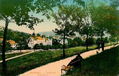 Brassó:sétány a Postaréten.1916