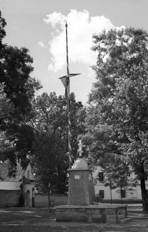 Csiksomlyó:országzászló.1942