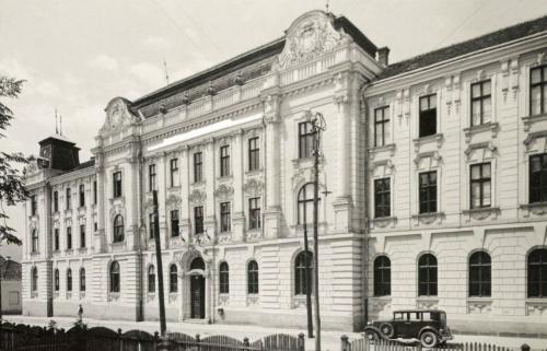 Csikszereda:Törvényszék a cimerekkel,1941.