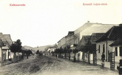 Csikszereda:Kossuth Lajos utca a templommal,1908.