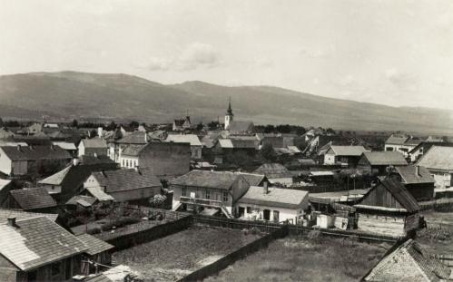 Látkép a Szent Kereszt-templom felé,1943.