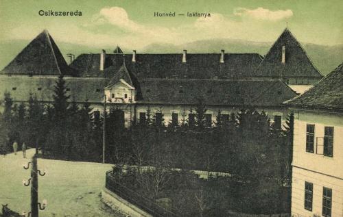 Csikszereda:honvéd laktanya a várban,1912.