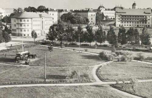 Csikszereda:látkép a városi szálloda irányába,1944.