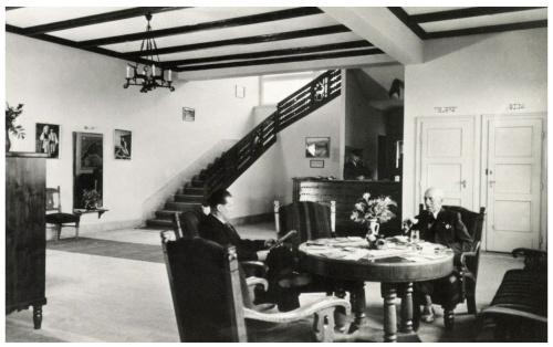 Csikszereda:városi szálloda előcsarnoka,1943.
