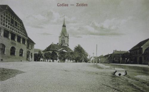 Feketehalom:városháza és templom.1910