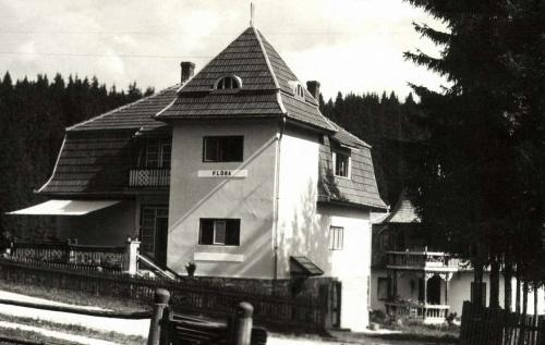 Borszék:Flóra és Siklódi villa (43-as,44-es villa),1942.