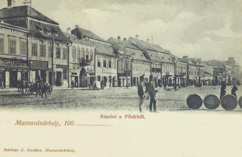 Magyar Királyi Nagy Tőzsde,gyógyszertár és régi városháza,1904.