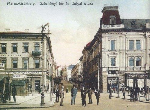 Transilvania szálloda és kávéház és a Pap palota,1910 körül.