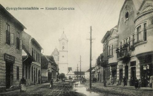Gyergyószentmiklós:Kossuth Lajos utc a katolikus templomml,1916.