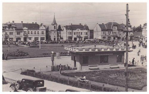 Gyergyószentmiklós:Transzilvánia szálloda,református templom és Idegenforglmi Iroda.1943