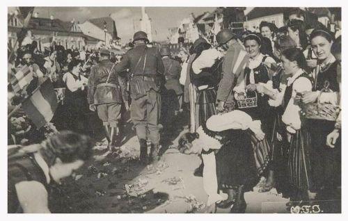 Gyergyószentmiklós:megérkeztek a honvédek.1940