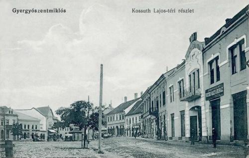 Gyergyószentmiklós:jobbra a Szilágyi szálloda és Bútor Áruház.1914