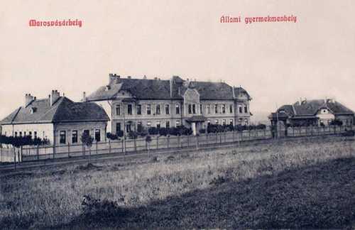 Marosvásárhely:Állami Gyermekmenhely,balra a Barcsay Ákos utca..1909