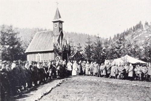 Hollósarka(Capu Corbului):katolikus kápolna felszentelése,1917 április.