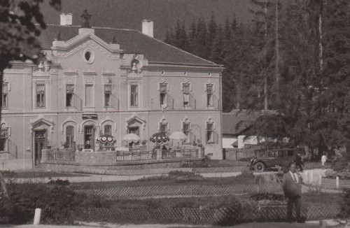 Borszékfürdő:Mélik szálló és étterem(automobil).1937