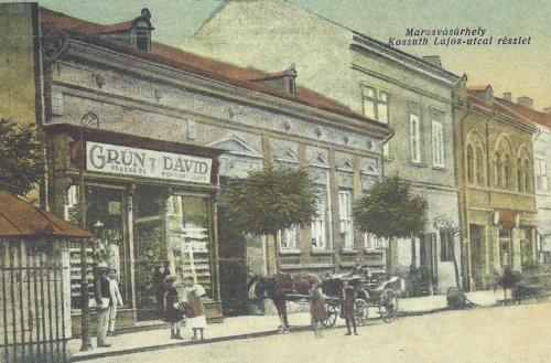 Grün Dávid Kossuth utcai fűszer- és rövidáru üzlete,1914.