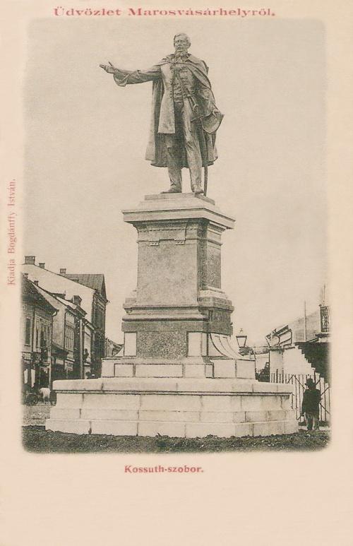 A Kossuth szobor felavatási napján június 11-én kiadott képeslap.1899
