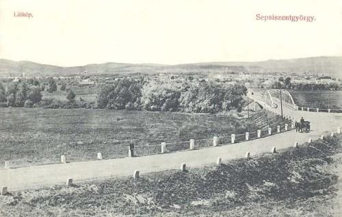 Sepsiszentgyörgy:látkép,híd az Olt folyón.1909