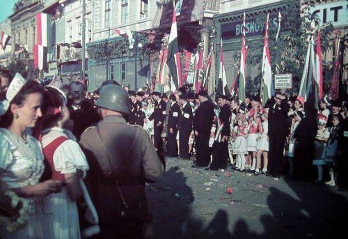 Marosvásárhely:magyar honvédek fogadtatása.1940