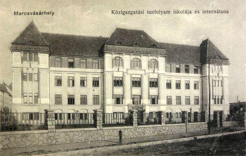 Közigazgatási Tanfolyam iskolája és internátusa a IV Béla király úton,1915-ben.