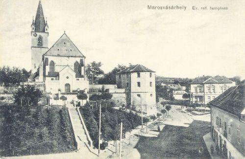 református vártemplom,jobbra a Dr.Nyerges palota.1911