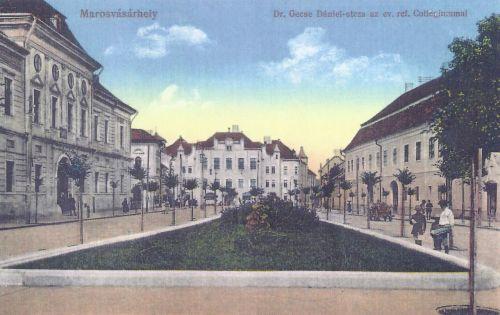 Marosvásárhely:balra a Törvényszék (Itélőtábla),jobbra a Teleki könyvtár.1915