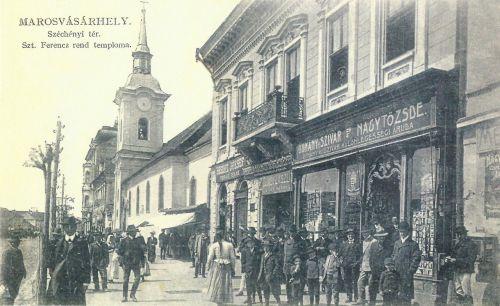 Szent Ferenc rend temploma,jobbra dohány,szivar üzlet.1911
