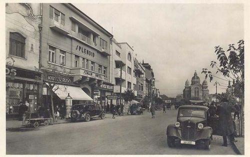 Marosvásárhely:balra benzin töltő állomás,jobbra Audi.1941